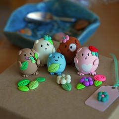 GinGin and friends ({JooJoo}) Tags: pink pets brown cute animal toys guineapig miniature painted craft creme polymerclay etsy smallanimal joojoo minisculpture sweetpet