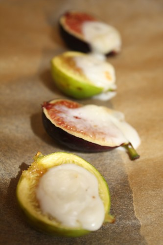 Figs Broiled with Goat's Brie