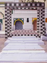 City Getaway - Hijron ka Khanqah (Mayank Austen Soofi) Tags: delhi ka walla eunuchs khanqah hijron