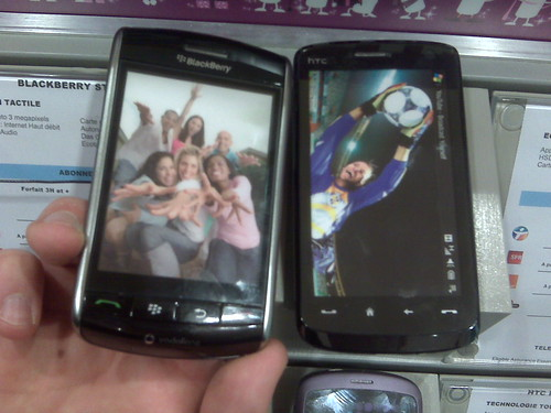 Blackberry Storm et HTC Touch HD : Comparatif des tailles