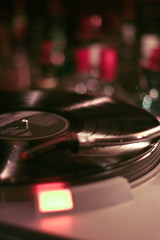45 bouteilles (a n n ! c k) Tags: bar québec quebeccity musique vieuxquébec hauteville steangèle