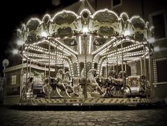 Carousel (Vincenzo Pioggia) Tags: kids vintage kid italia carousel giostra cavalli cavallo ravenna zucca carousels vecchia rattidellasabina aplusphoto natale2008 vincenzopioggia flickrlovers