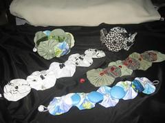 Pulseiras (Mar de flores) Tags: flowers flores fuxico yoyo fux croche fuxicos fuxicando crochetando fuxicaria fuxic