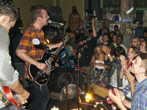 07.09a So So Glos @ Glasslands (20)