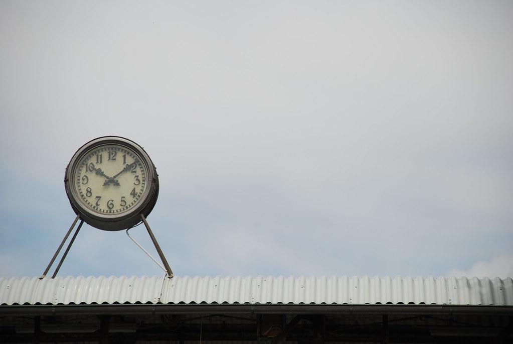 10:10.