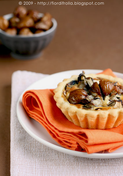 Mini quiches alle castagne e radicchio