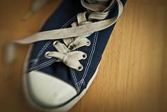 Chucks. (blackwoodse6) Tags: blue white blur lensbaby nikon shoes trainers converse vignetting vignette allstar chucks f4 laces chucktaylors chucktaylor sportshoes sweetspot doubleglass lensbabycomposer