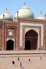 palace (glumus) Tags: people india experience streetscenes