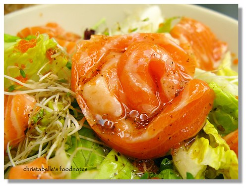 梭子 鮮鮭魚羅蔓生菜沙拉 鮭魚花仔細看