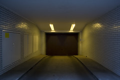 (arnd Dewald) Tags: light lamp licht symmetry ruhrgebiet dortmund leuchte ruhrpott symmetrie asymmetrya arndalarm hofeinfahrt arndtstrase img5817au1klein explore080818199
