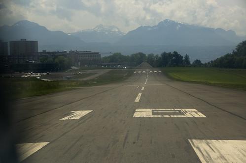 LSGL Runway 18