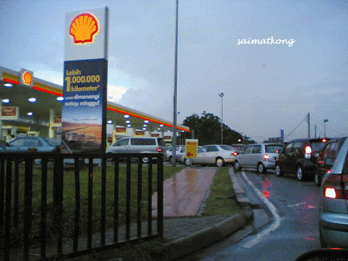 Petrol Station Jam! 78 sen more for fuel, Malaysia Petrol Price increased to RM2.70
