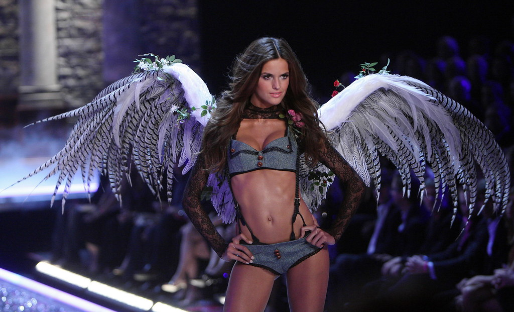 Izabel Goulart angel sexy
