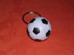objets sphériques - porte clefs ballon de football par eric.delcroix