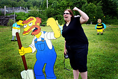 sara and groundskeeper willie (brantastic) Tags: canada canon sara novascotia wtf whycocomagh canon30d simpsonshouse soawesome visitingsara lifesizesimpsonschara lifesizewoodensimpsonscharacters insomeonesfrontlawn