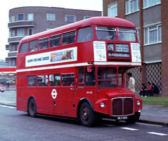 007-25 RM555 on route 109 to Blackfriars (Sou'wester) Tags: bus london heritage buses icon routemaster publictransport streatham lrt lt 109 psv parkroyal rm londontransport tfl aec prv rml route109 classicbus rm555 wlt555