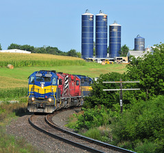 The MP 99 Shot (The Mastadon) Tags: road railroad chicago train illinois midwest rail railway trains il transportation locomotive railroads chicagoland douchebag flatlander midwestern