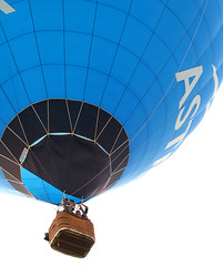Bristol baloon fiesta 2008 (Fatdeeman) Tags: hot canon court balloons bristol eos 350d rebel xt fiesta air balloon shapes special cameron 1855mm rebelxt ashton hotairballoons canoneos350d efs ballooning ashtoncourt efs1855mmf3556 f3556 canonefs1855mmf3556 specialshapes bristolbaloonfiesta