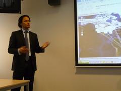 Erik Krischan explaining