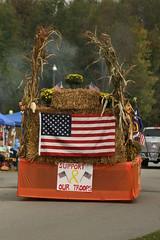 This says it all,,, (bluegrassboy1968) Tags: kentucky parade float autumndays vinegrove