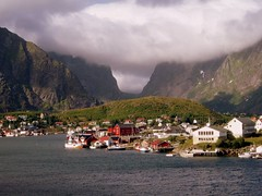 Very nice skyyyy!!!!!!!!!!!!!!!!!!!#1+2# (puri_) Tags: norway clouds nuvens fjord montanha montain travellerphotos