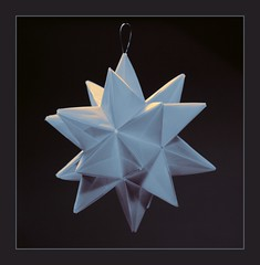 Origami Star - Spiked Icosahedron (steffi's) Tags: christmas stella winter paper star origami december advent craft modular papel stern handicrafts papier estrella carta icosahedron weihnacht spiked papercraft polyhedron modules basteln modularorigami origamistar   kusudama  uniformpolyhedron   spikedicosahedron basedonicosahedron origamistern