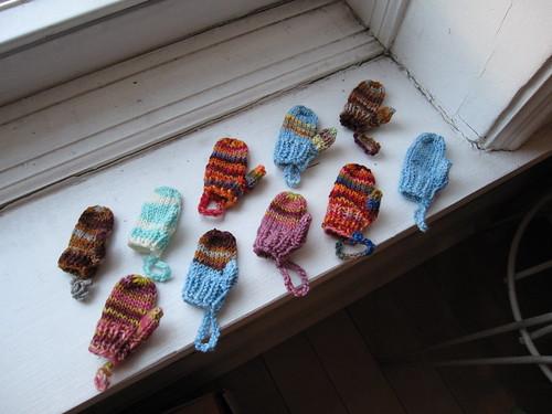 Ten little mittens