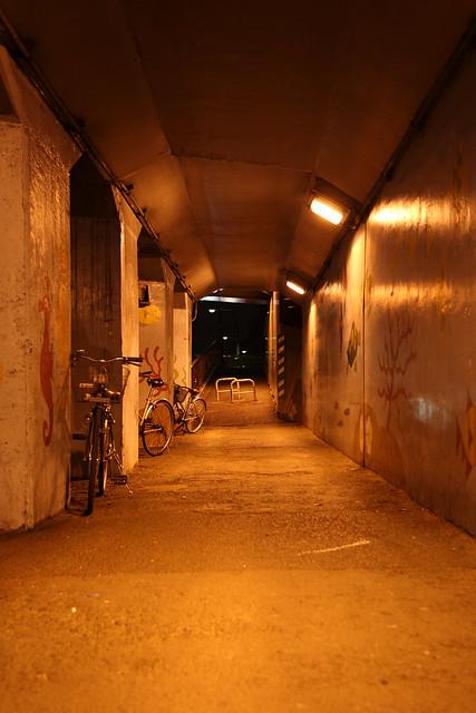 交差点のトンネル