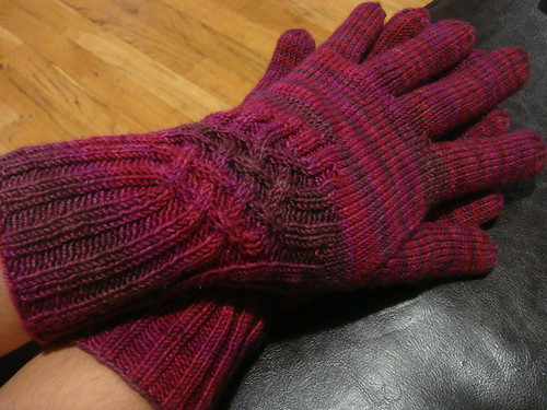 Knotty Gloves