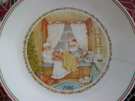 Corelle Plate Christmas 1986