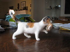 Needle Felted Cat with Kitten (rootcrop54) Tags: portrait sculpture pets art wool animal animals felted cat miniature kitten chat unique oneofakind ooak felt needle fantasy gato calico needlefelting fiberart fiber momma filz needlefelt petportraits mothercat catart needlefelted impressedbeauty wooliture nassgefilzt needlefeltedcats rootcrop54 helenrogers