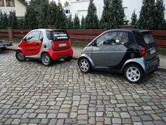 Smartis ... (bayernernst) Tags: auto berlin rot cars smart car autos werbung 2008 kontrast mrz reklame pkw smartfortwo kfz kraftfahrzeug kraftfahrzeuge werbetrger meinberlin 23032008 snc16344