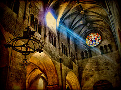 The Ray of Light (ToniVC) Tags: old light church lamp architecture canon ancient ray arch girona powershot dome vault spiritual rayoflight esglsia santfeliu vitrall a640 tonivc thegreatshooter espatarrancia