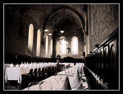 Hogwarts??... No Poblet (David Isidoro Garcia) Tags: city travel blackandwhite espaa blancoynegro architecture photoshop spain arquitectura europe day photos sony medieval monumentos catalunya fortifications catalua tarragona citywall comedor poblet concadebarbera monasterios monestirs sonyalpha alpha100 sonyalpha100 photoshopcreativo photofmflickr