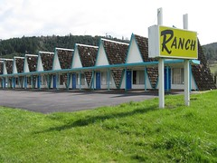 Rice Hill, Oregon (Jasperdo) Tags: sign oregon motel motelsign ricehill ranchmotel vintagemotel