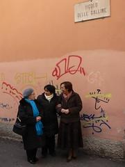 Vicolo delle galline, Brescia (waltermo) Tags: cartelli divieto segniurbani