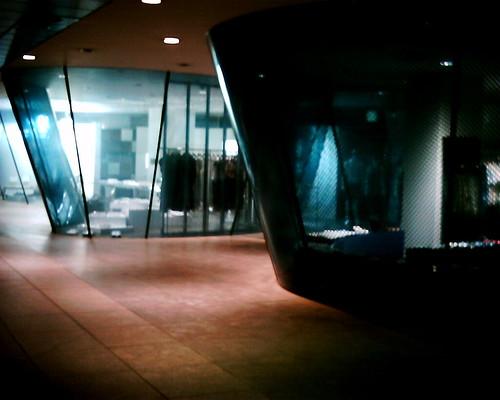 【写真】VQ1005で撮影したコム・デ・ギャルソン青山店