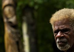 Fair-haired chieftain from Ambrym, Vanuatu (Eric Lafforgue) Tags: face statue forest drum chief oldman tribal blond chef blonde tribe ethnic ethnology vanuatu tribu ebridi slitdrum ethnologie ethnique 11316 ethnie  abrym wanuatuneue hebridennew hebridesnieuwe hebridennouvelleshbridesnuevas hbridasnuove