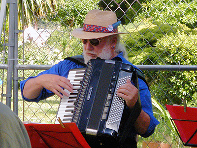 Tivoli accordionist
