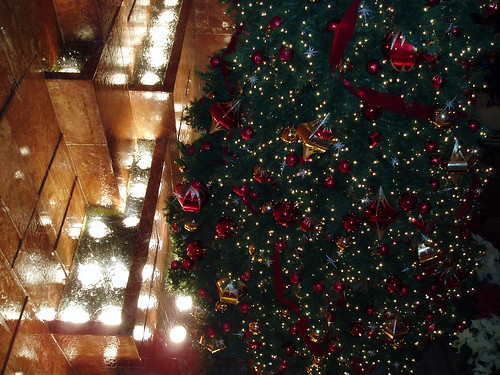 Waterfall and Christmas tree, Trump Tower (by jane_sanders)