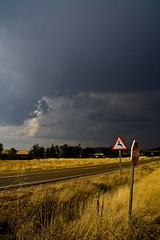 tormenta en zamora (oshkar) Tags: signs storm clouds countryside nubes tormenta campo zamora seales