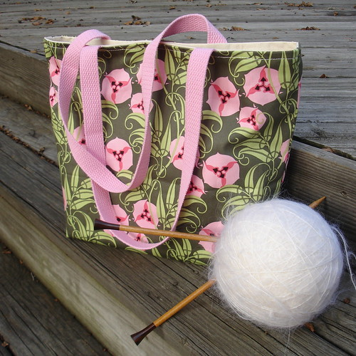 Mara Tote in Amy Butler Nigella Fabric: Passion Vine Forest