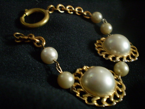 A pair of pearls