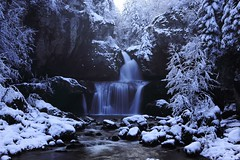 Cascade de la Billaude (ou Saut Claude Roy) (Mathieu GUY) Tags: winter snow france waterfall scene jura neige 2008 cascade lemme champagnole karmapotd karmapotw billaude vaudioux