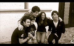 Meeting the jonas brothers in the atlantis (catiee !) Tags: emily kevin december day yum brothers awesome nick joe front row best atlantis seats ballroom imperial bahamas jonas 13 2008 ever catie kasey runway