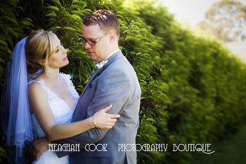 a quiet moment - geelong wedding photographer