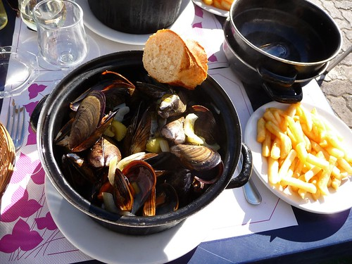 Lunch at Gruissan Port