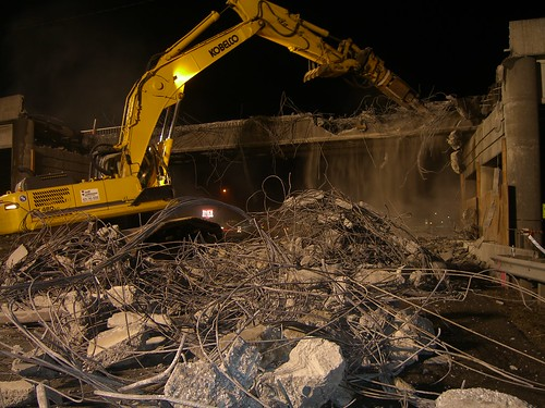Demolishing the SR 11 overpass