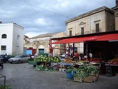 giorno di mercato (marinagrr) Tags: italy fun harmony palermo mercato sicilia topic ih ballarò lahoramagica tuttalavitadentro doubledragonawards altruisticphotos