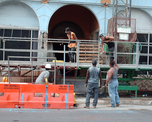 construction workers in Miami (by: Photog*Phillip, creative commons license)
